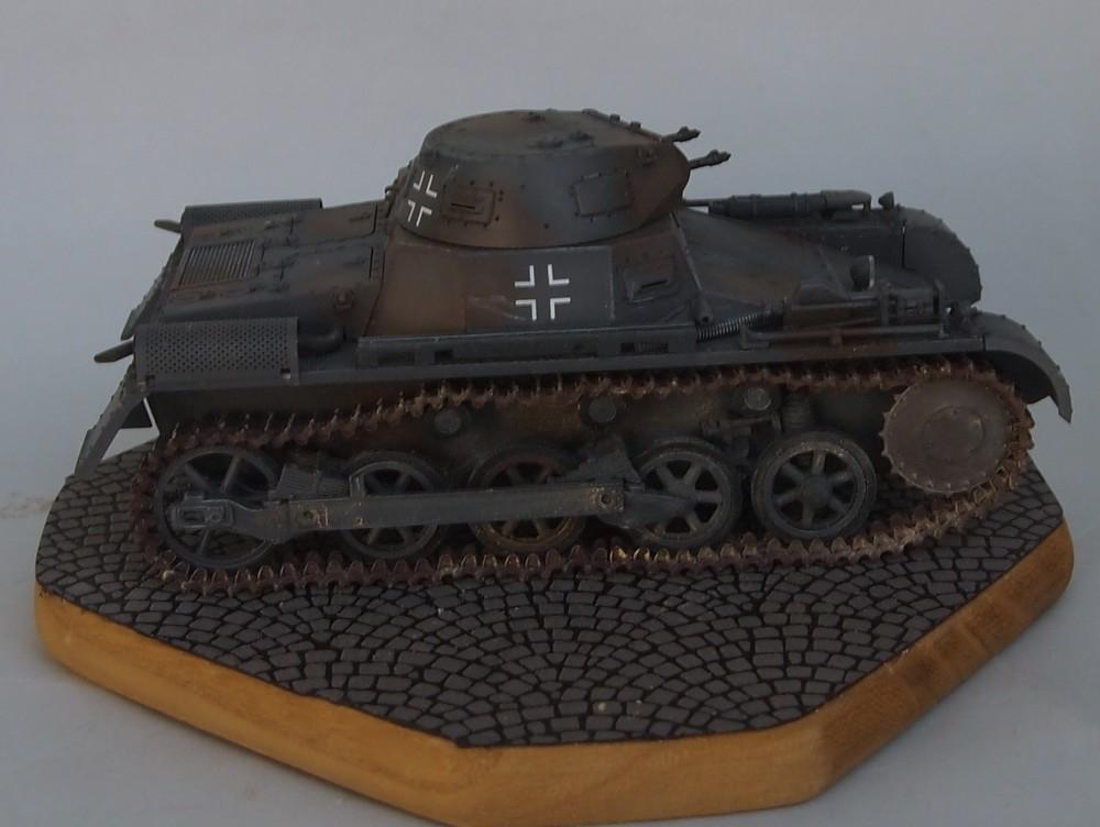 Pz.Kpfw. I Ausf. A 4.Serie/La.S (Dragon 1/35 ref 6451) Mon04