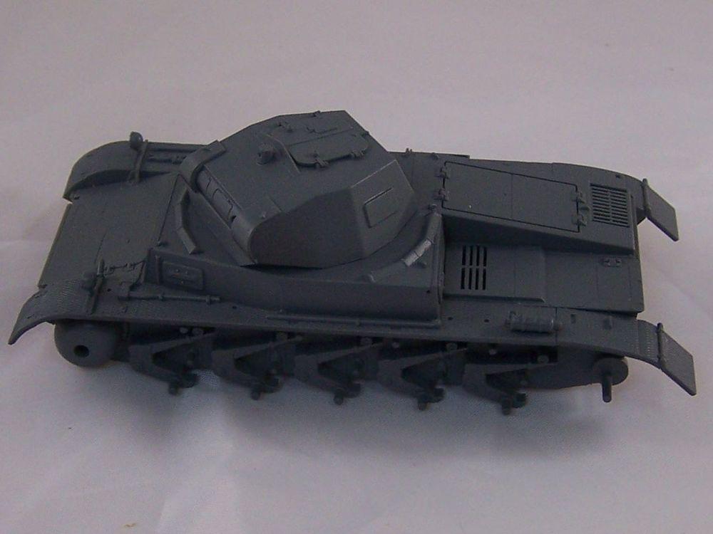 [Tamiya 1/48]: Panzer II Ausf. C: 3ème jour, le char est fini Mon01