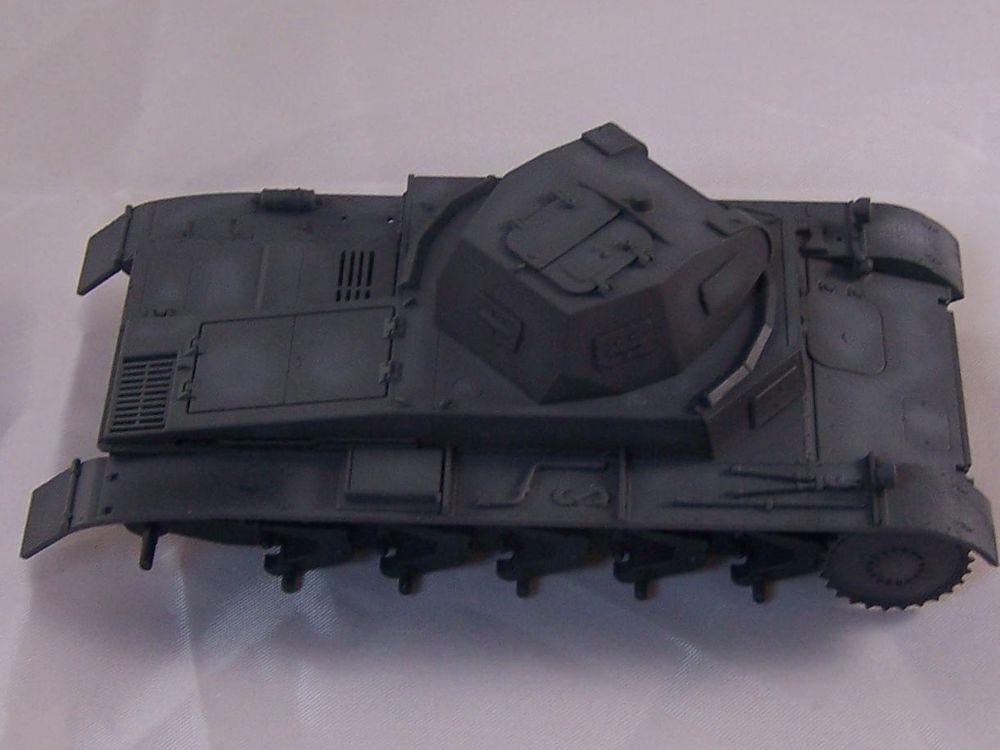 [Tamiya 1/48]: Panzer II Ausf. C: 3ème jour, le char est fini Mon12